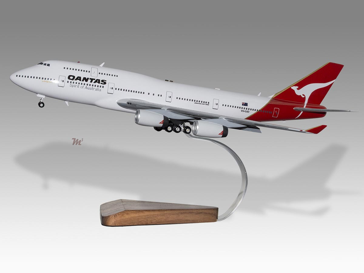 Transportation Collectibles B-747 Evergreen Air Boeing 747 Airplane Desk Wood Model Small New