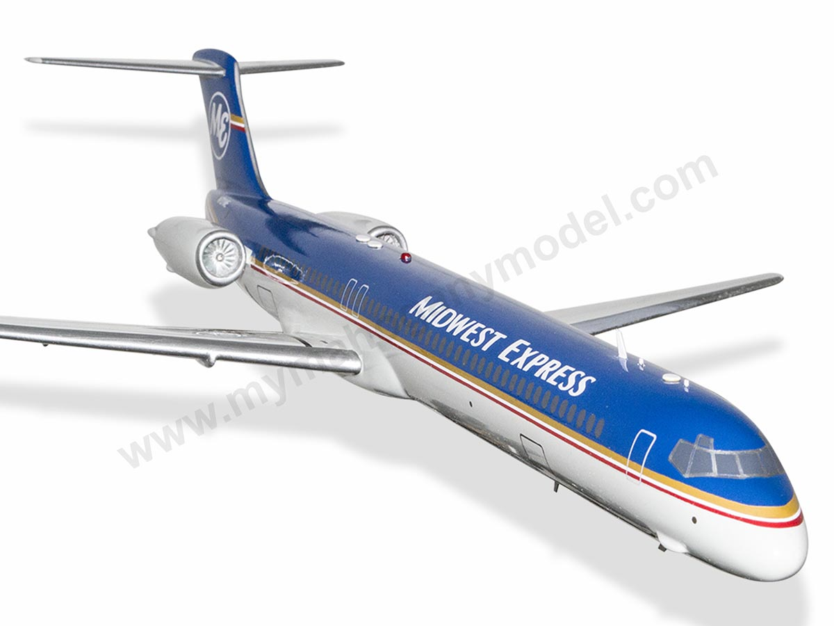 Lovely Mcdonnell Douglas Md-88 Midwest Express Airlines Wood Desktop Airplane Model Collectables Transportation Collectables
