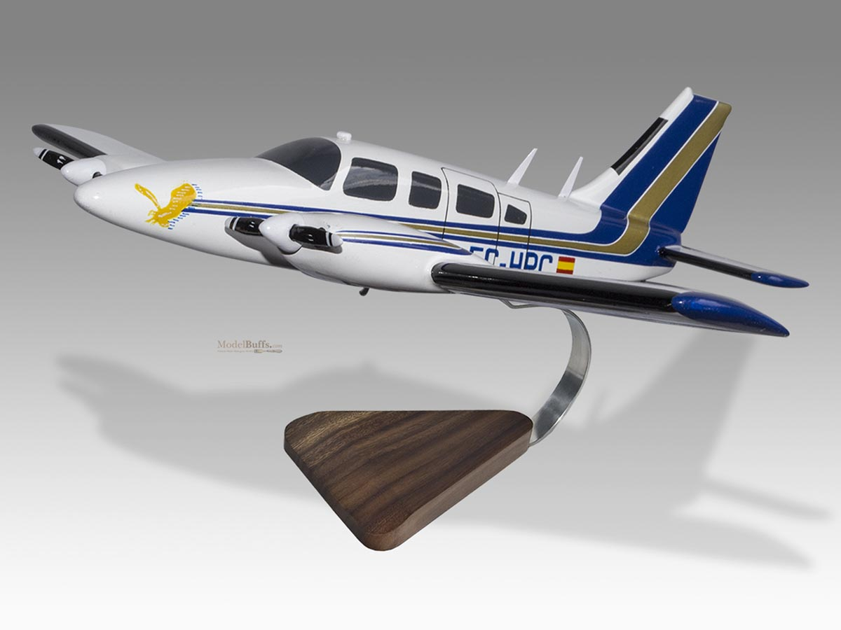 Piper PA-34-200T Seneca II American Flyers EC-HPC Model ...